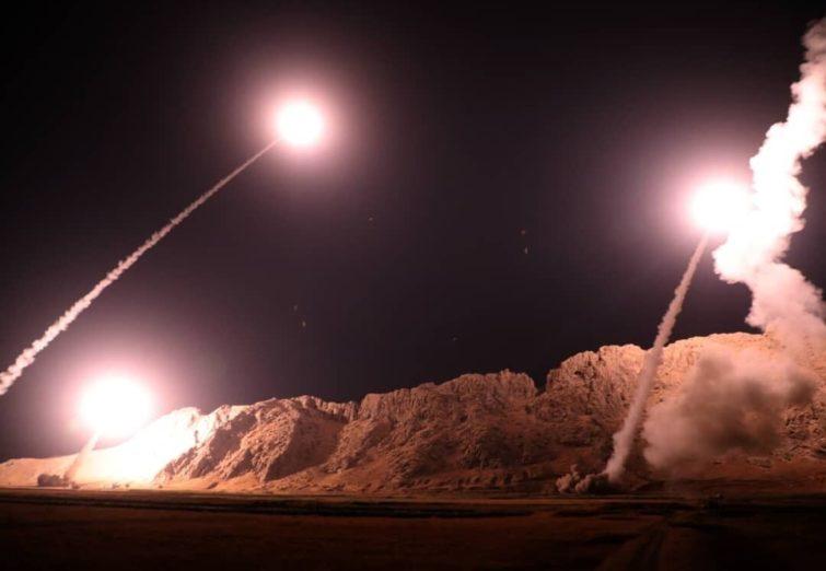 فیلم لحظه شلیک موشک ها به پایگاه های آمریکایی
