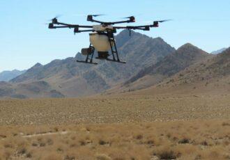عملیات بذرپاشی مراتع با پهپاد در مهریز آغاز شد